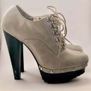 Chunky heel lace-up platform booties